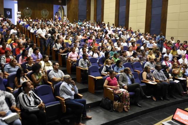 Vicepresidencia lleva charla El Real Cariño a San Juan
